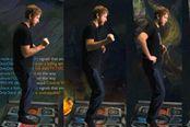 国外玩家用跳舞毯玩《英雄联盟》全程抖腿